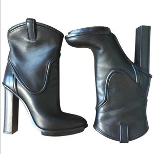 Gucci Black Runway Leather Platform Booties 37.5